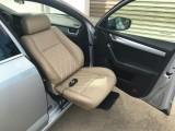 常州地区改装小轿车驾驶位可编程电动旋转老年人座椅