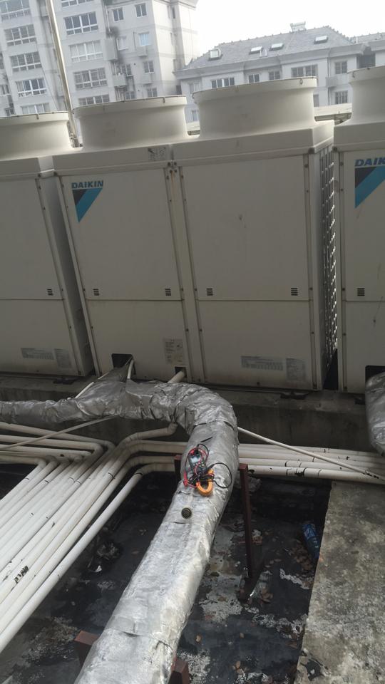 专业维修各种变频空调大金空调日立等中央空调