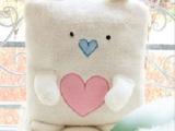 新品毛绒玩具 爱心熊方熊空调毯抱枕两用