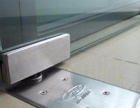 专业修门装锁 维修玻璃门 换地弹簧 门拉手 修木门