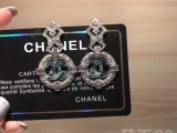 Chanel香奈儿黄铜复古耳环