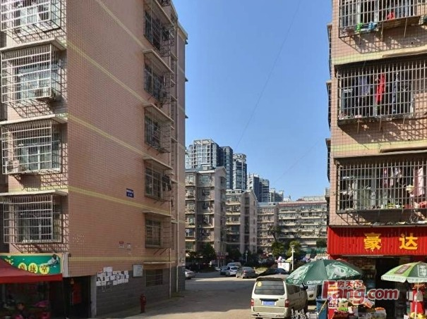 湘雅医学院附近步步高旁有好房子出租建新安置小区建新安置小区