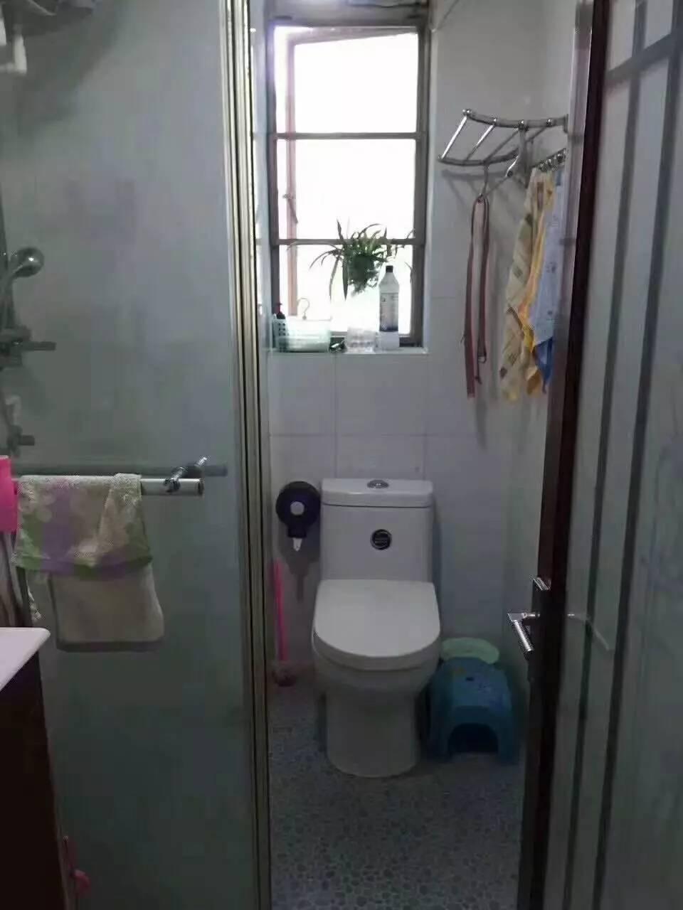 越秀德政中路 清水濠 3室2厅 全明屋 75平米 售255万