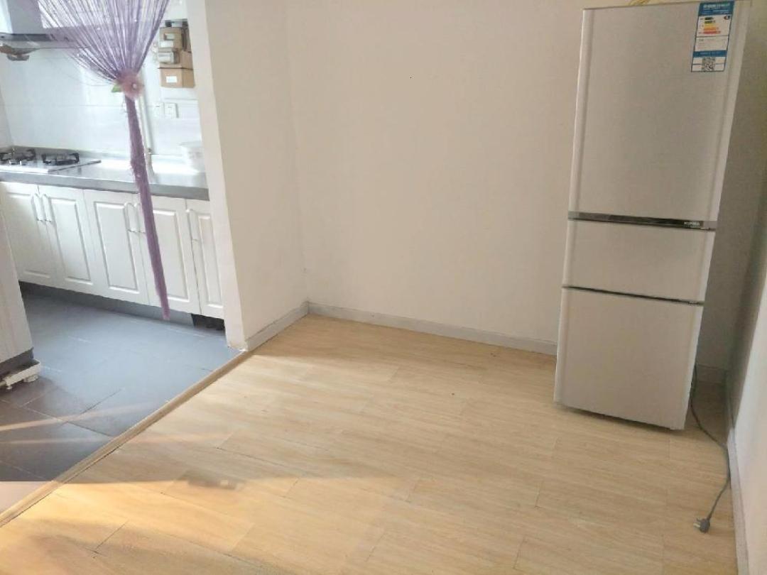 中关村苏州街 海淀南路 欧式精装一居室 首次出租 紧邻地铁