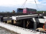 横向顶推在桥梁施工中的应用