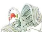 婴儿摇摇椅。带玩具架,遮阳棚,U型枕,安全带。支架