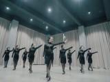 武汉市江汉路步行街跳舞,单色舞蹈