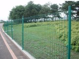 现货或定做机场养殖园林电厂水库专用浸塑双边丝护栏网厂家
