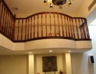 别墅挑空实木楼梯围栏 家庭楼梯厂家定制款式 上海别墅楼梯
