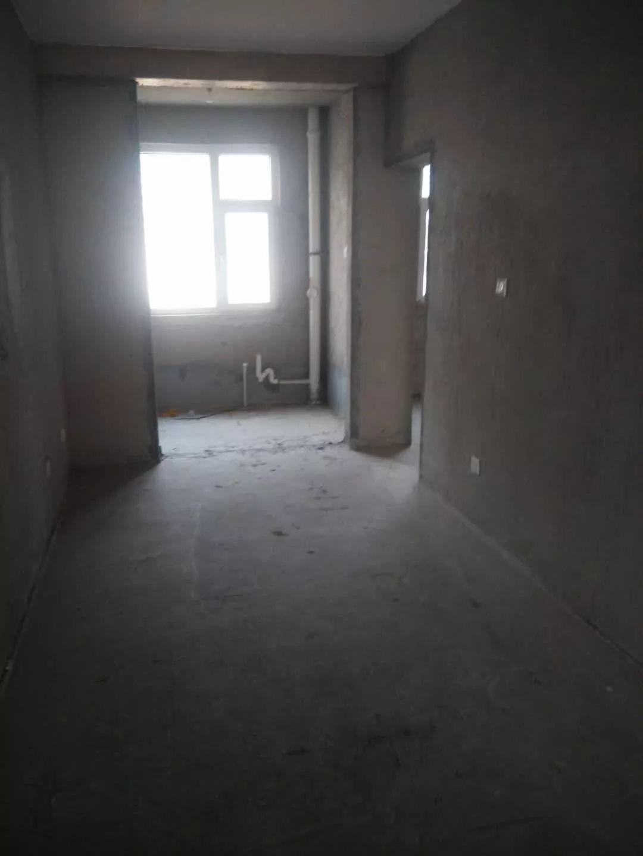 水木天成复式五楼精品 4室 2厅 200平米 出售26万