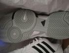低价转让全新阿迪达斯网球鞋bercuda3