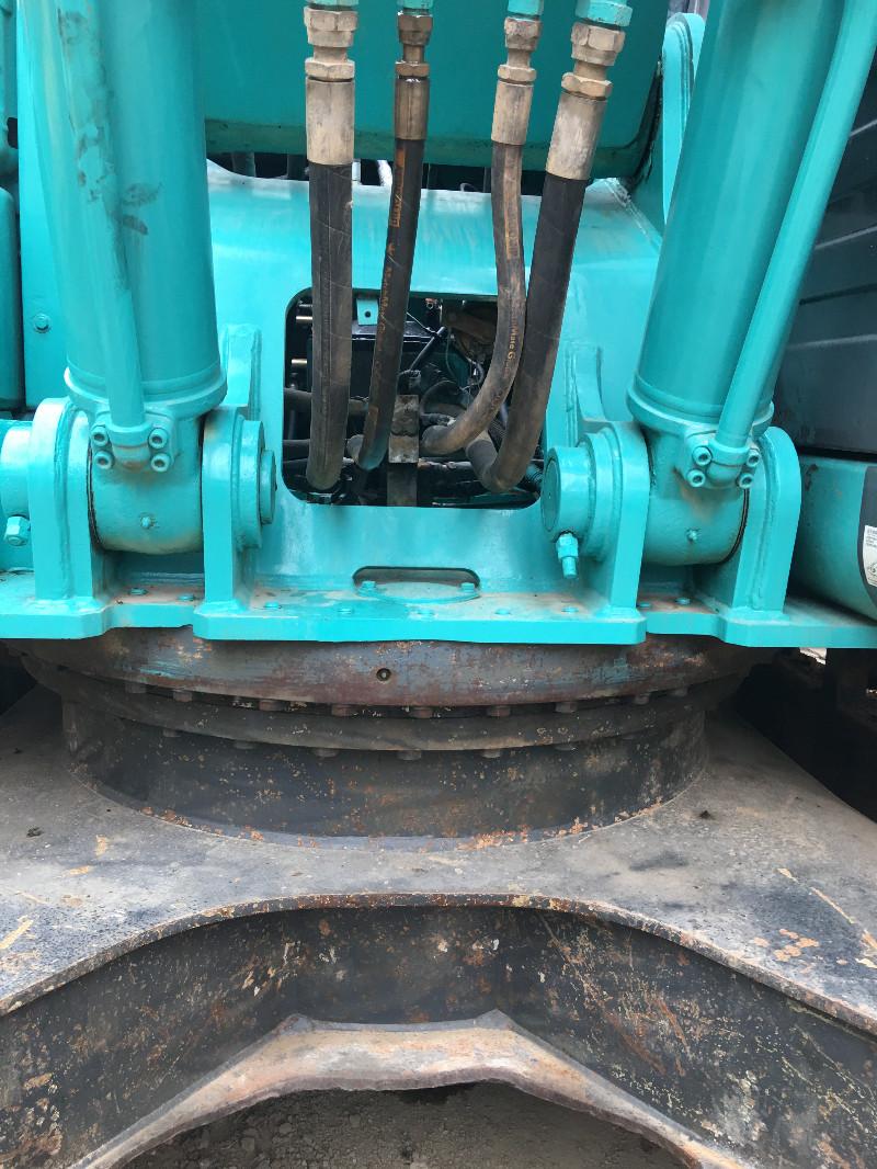 二手神钢260挖机低价转让挖掘机