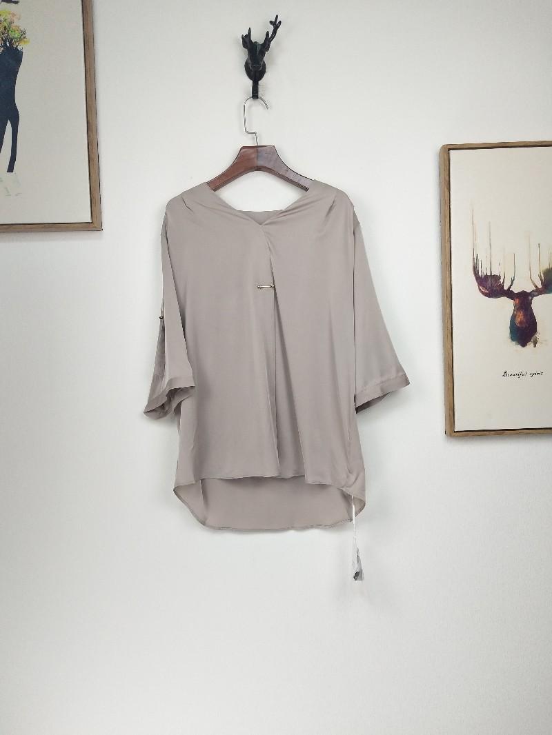 广州伊曼品牌女装库存折扣有限公司凯撒贝雷品牌折扣
