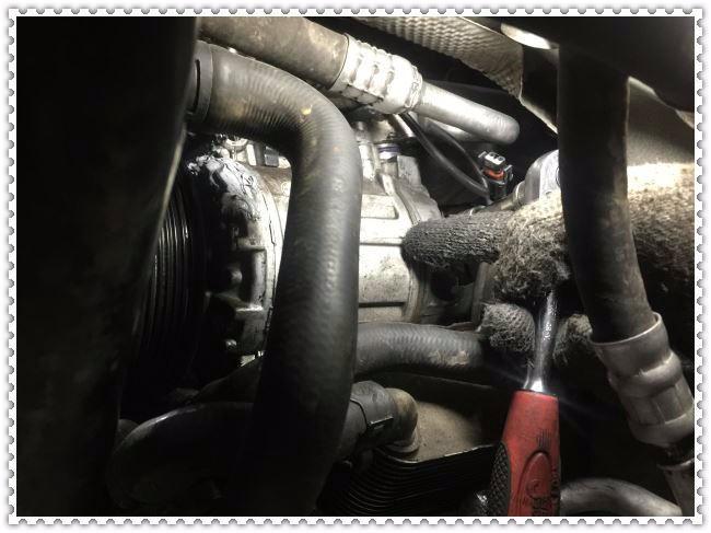 奥迪A8烧机油发动机大修服务