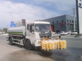 国六东风天锦护栏清洗车助力环卫事业快速发展