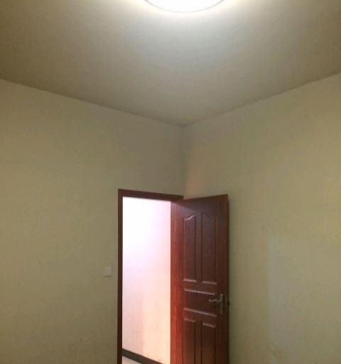临海市山前村 1室1卫1厨 50平米 简单装修 押一付三