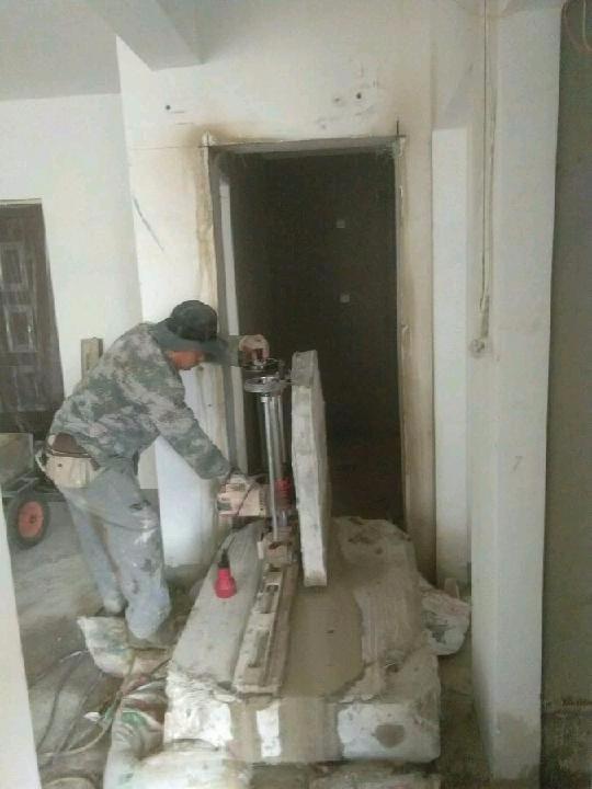 青岛专业砸墙水锯切割
