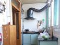地铁一号线 中间楼层 带地下室 简装两居 绿化率高