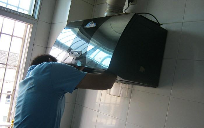 温州家庭油烟机清洗专业清洗各种品牌家庭油烟机欢迎预约