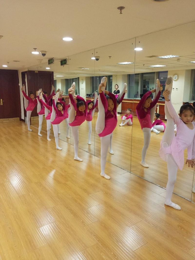 中国儿童中心附近有比较不错的舞蹈培训机构吗
