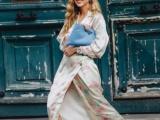 裙子與CONSUME潮流運動鞋搭配,美貌與舒服并存