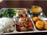 佳裕餐饮集团专业提供食堂承包 企业团餐配送 快餐配送等服务