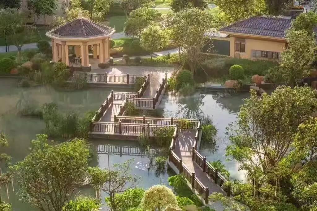 中山三乡温泉附近 雅居乐御龙山 居住环境非常好 看高尔夫球场
