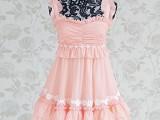 粉色荷叶边褶皱镶拼白色蕾丝花边大摆无袖连衣裙