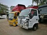 广州天河货车改装市场大量二手驾驶室总成低价出售