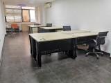 季华路60-80方精装修办公室配空调和办公桌椅拎包入驻