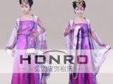 供应弘如专业服装定做,上海婚纱定做