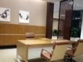 处理办公桌、办公椅、会议桌样品,优质特价甩,包送