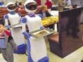 穿山甲送餐机器人迎宾机器人