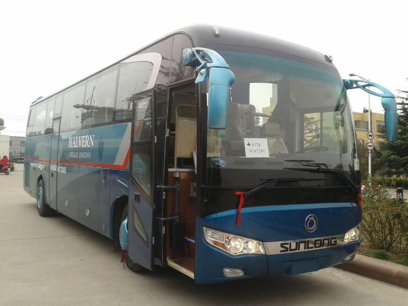金龙客车11米 48-55座 一层 一层半