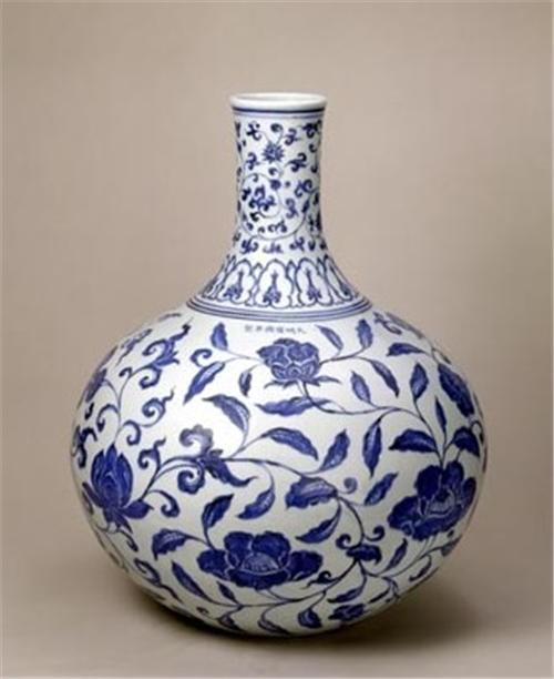 天球瓶瓷器拍卖价值多少钱