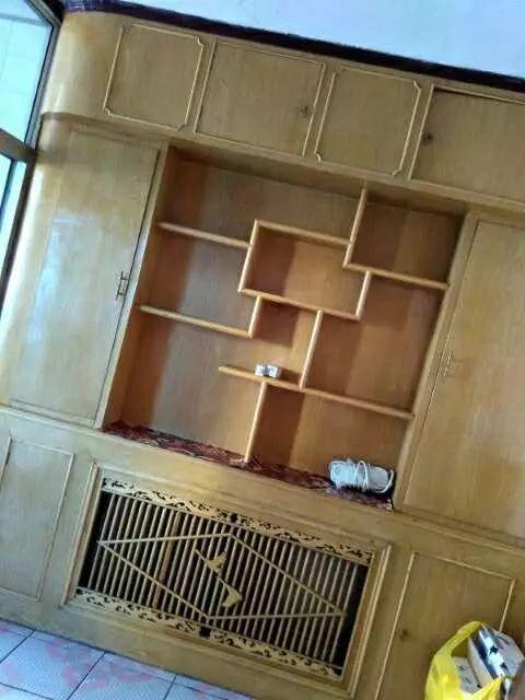房主出租山南家私城双室双厅装修房