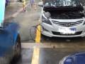 成都24小时流动汽车救援搭电换胎送油送水拖车电瓶脱困