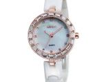 威琴品牌 史上最低价 进口陶瓷 镶钻石英手表 特价批发 W477