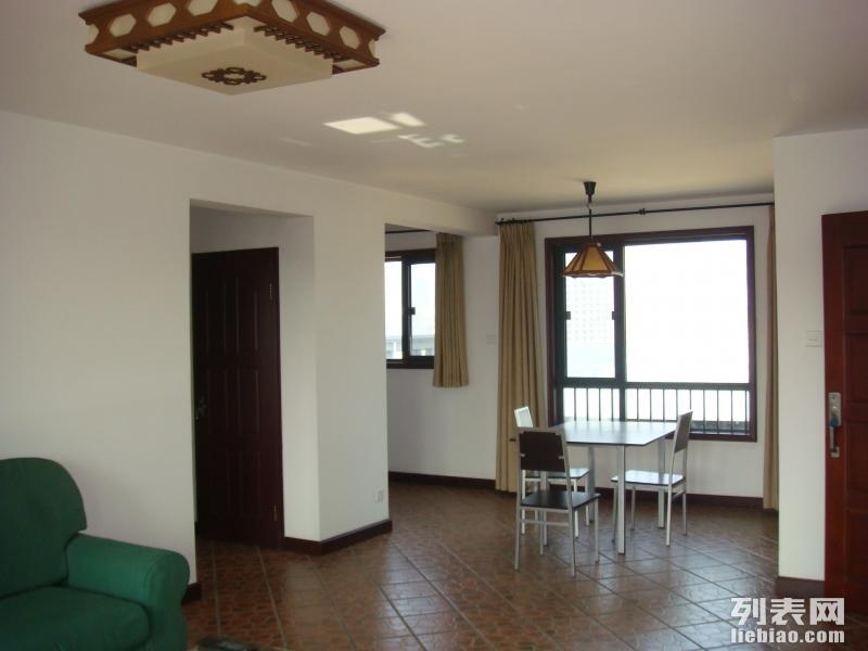 绿城百合公寓 3室 2厅 118平米 整租绿城百合公寓