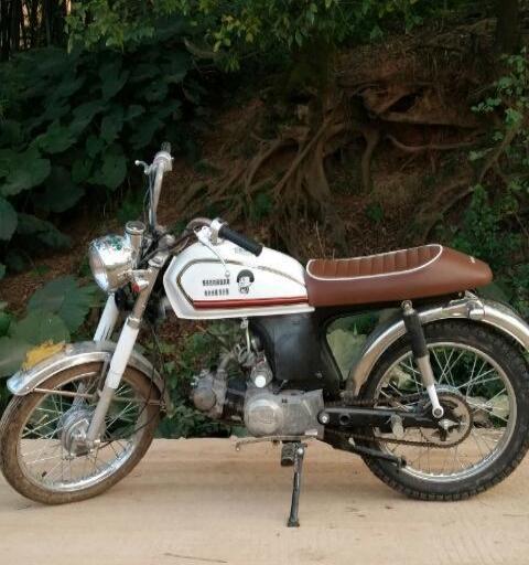 改装嘉陵复古摩托车