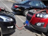 乌兰察布24小时汽车道路救援拖车搭电 补胎换胎 送油脱困电话