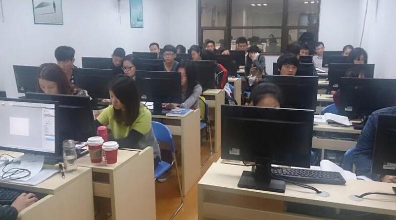 上海平面设计培训 自学设计困难不已 实战面授是真谛
