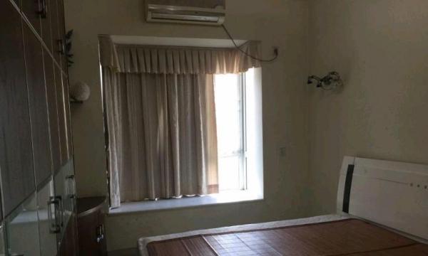 香洲-前山前山漾湖明居3室2厅2卫3200元