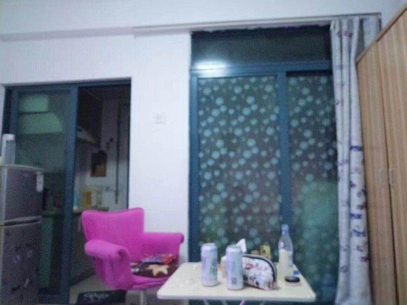 蓝堡精装公寓,家私齐全,拎包入住,给您温馨的家整租
