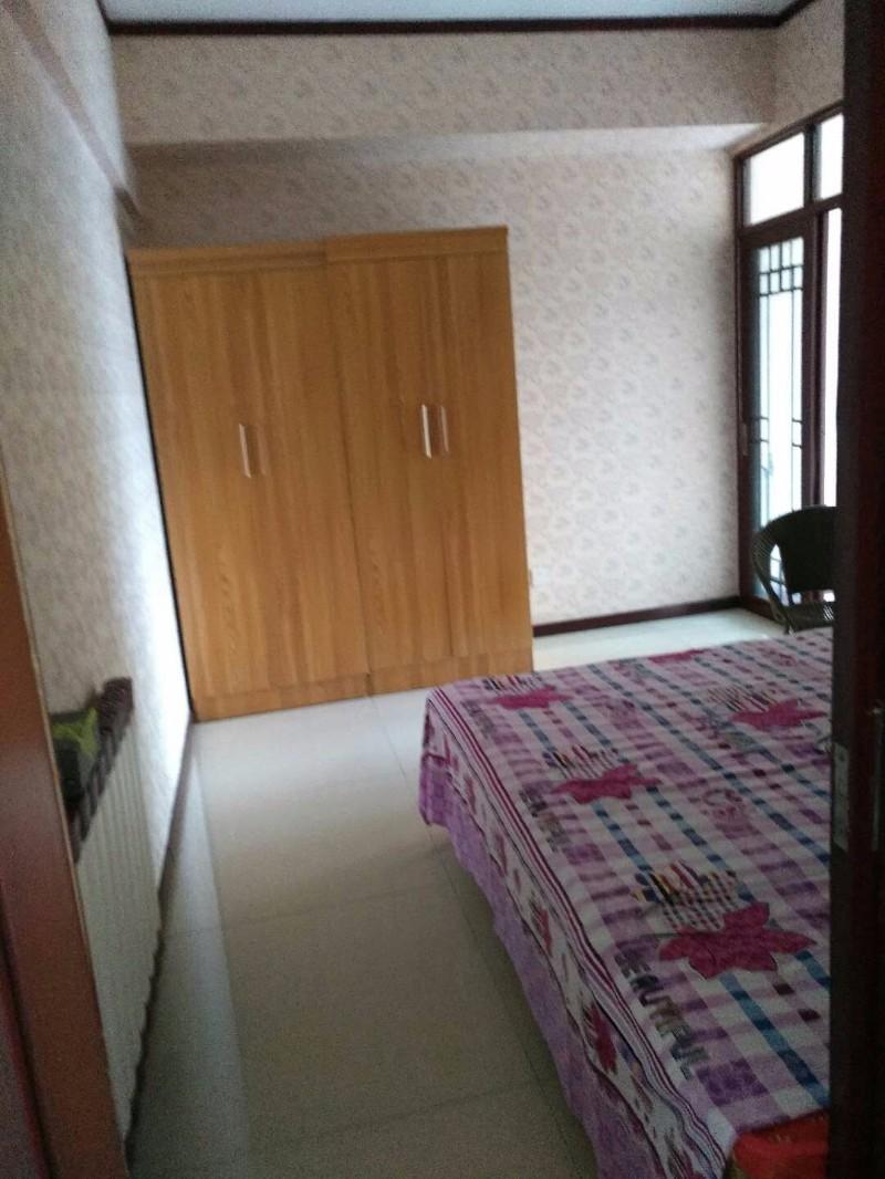 中兴路 九号院商务楼 3室 2厅 67平米 出售