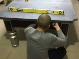 臺球桌移位置 北京宣武區臺球桌專業上門安裝 找平