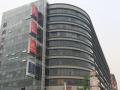 新成文化大厦180平紧邻电梯口高层环境有办公家具