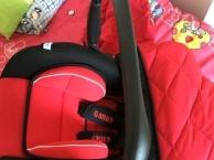 提篮式安全座椅和婴儿床