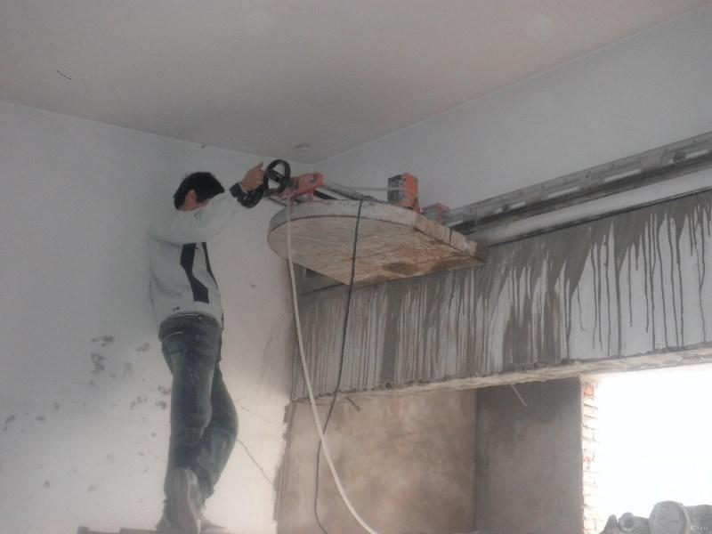 廊坊专业砸墙,开门口,墙体切割