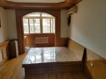 松江路地铁口特别好的位置4楼正规1室1厅家电全有空调南北向松江路